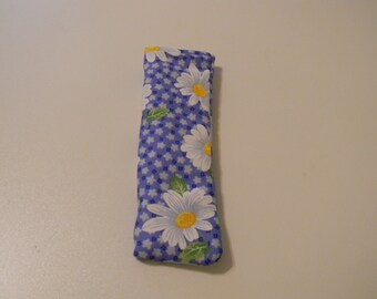 Eyeglass Case - Daisy's on a blue background