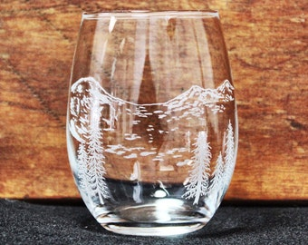 Three Sisters Hand-Engraved Stemless Wine glass