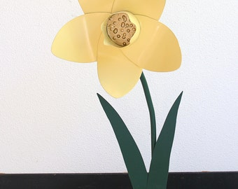 Metal Sculpture - Yellow/Gold Garden Daffodil Flower