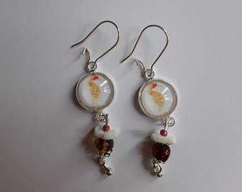 Orange seahorse, amber stone was shell pattern cabochon earrings