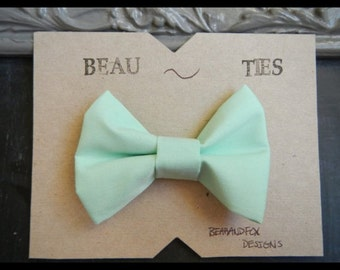 Adult clip-on bow tie mint green