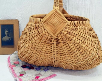 Vintage Buttocks Basket - butt basket - Country Egg Basket - farmhouse decor