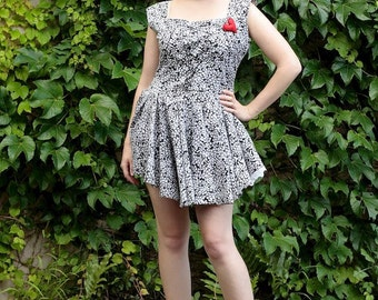 S-M vintage dirndl party dress black & white flower lace up
