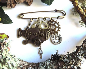 "Steampunk brooch""trip zeppelin"": gears, clocks, keys"