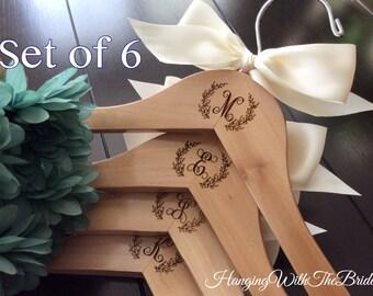 Wedding hanger, Engraved Hanger, Custom Hangers, Bridesmaids gift, bridesmaids hangers, Custom made hangers, Bridal gift, wedding gift