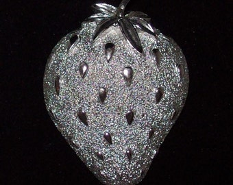 Sarah Coventry Brooch - Silver Toned Strawberry - 1960s Strawberry Ice