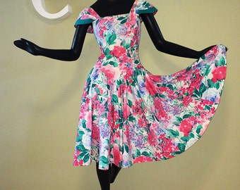 Vintage 80s does 50s Dress 1980s 1950s Romantic Floral Garden Party Dress Rockabilly Bombshell Pin Up Circle Skirt Dropped Waist Dress SM