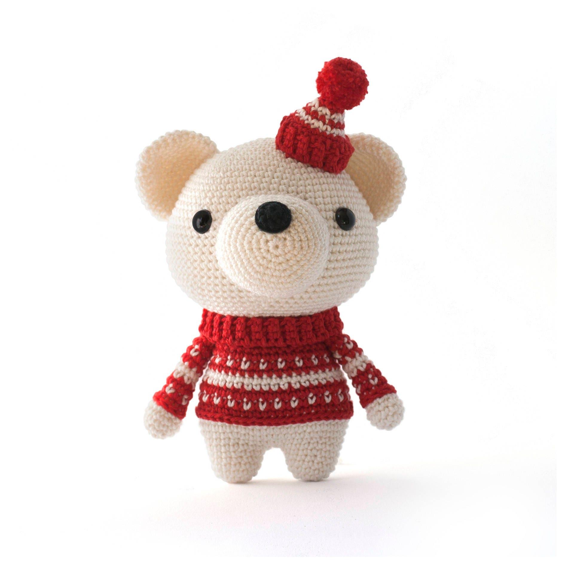 Pjotr the polar bear amigurumi crochet pattern zoom dt1010fo