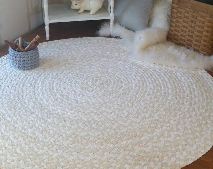 "46"" Natural and white braided rug shabby chic style"