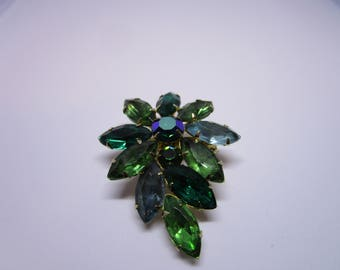 Vintage Brooch Green Floral Abstract Flower Green