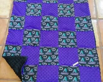 Arizona Diamomd backs baby crib quilt. Ready to ship!
