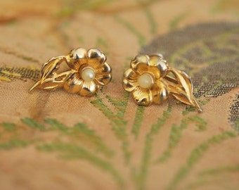1950s Sterling with Gold Wash and Pearl Flower Earrings Vintage Screw Back Earrings