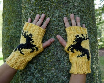 Game of Thrones House Baratheon Fingerless Gloves - Texting Gloves - Wristwarmers - Baratheon Black Stag Hand Knit Fingerless Mittens