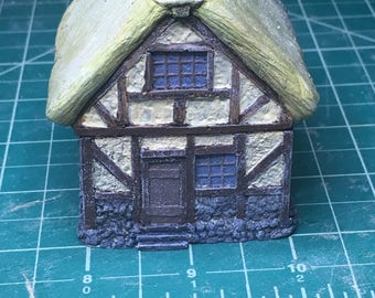 15mm Unpainted Timber Cottage w/ Thatch roof