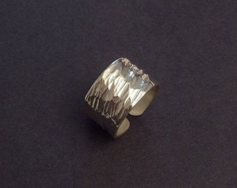 """Hammered sterling silver ring """"Buzios 3"""""""