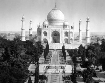 Taj Mahal in Agra, India Photograph (Art Prints available in multiple sizes)