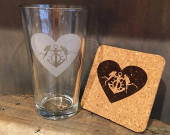 Couple of divers in love Beer Pint and Coaster set