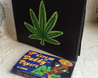 Happy Leaf Embroidered Wallet & PimpDaddy Rolling Papers Gift Set
