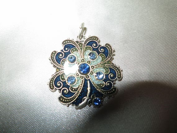 Lovely vintage silver metal French blue rhinestone pendant