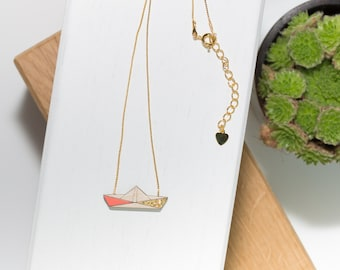 Boat necklace in natural wood (Coral/gold) and his gold chain