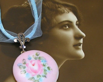 Pink Rose Antique BUTTON necklace, Edwardian flowers on porcelain, one of a kind jewellery.