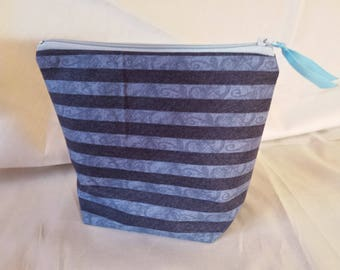 Pretty zippered pouch line, blue