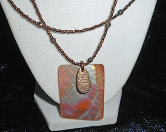 Vintage Mother of Pearl Necklace (B 530)