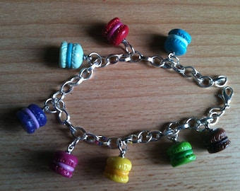 Bracelet with charms Pinback buttons (of your choice)