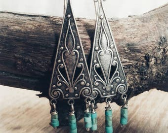 Silver and Turquoise chandelier earrings. Boho silver earrings. Turquoise earrings.