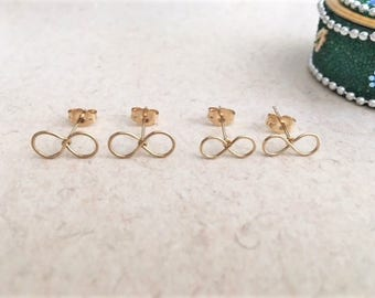 Gold Infinity Studs, Tiny Gold Filled Infinity Studs, Small Gold Infinity Stud Earrings, Minimalist Infinity Studs, 14K Gold Filled