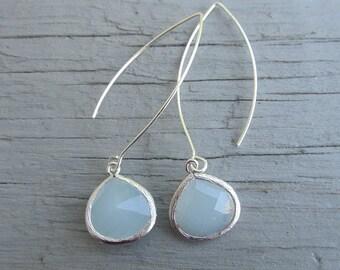 Air blue Opal Glas Stein Silber Lünette Einstellung Langschild Silber Ohrring