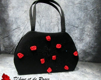 Bag 13 black and red roses