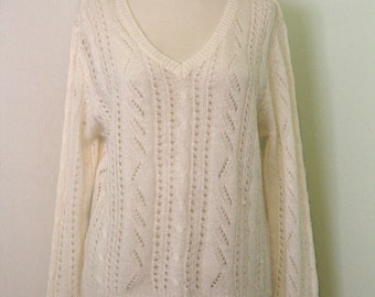 Creme V-Neck Cable Knit Sweater