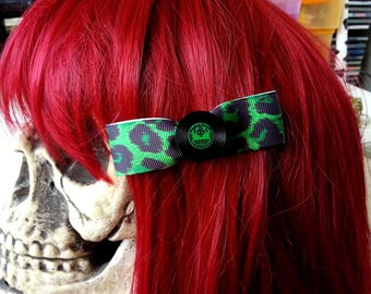 Barrette green leopard and LPs ♥ ♥