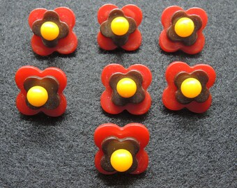 Set of Red Bakelite Flower Buttons, 7 Small Bakelite Buttons