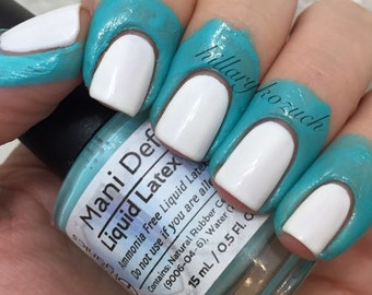 Latex Barrier - Mani Defender ® - Liquid Latex for perfect nails - Easy clean up of stamping and nail art - Nail Tape - Cuticle Barrier