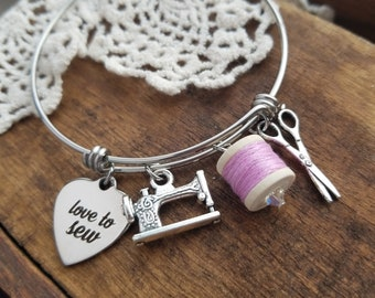 Sewing charm bracelet, gift for quilter, gift for crafter, sewing charm bracelet, gift for seamstress, love to sew bracelet