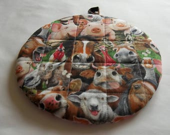 Quilted Pot Holders, Farm Animals Selfie, Cotton Hot Pads, Country Potholders, Trivet Round, Double Insulated, Kitchen Decor, Hostess Gift
