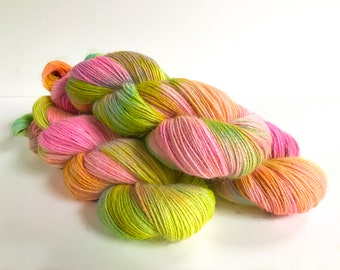 Tamusi Pure Alpaca 4 Ply/Fingering Yarn. Fondant Fancy