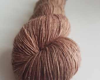 Single silver Stellina Superwash Merino skein / Fingering / hand - dyed color Rocket