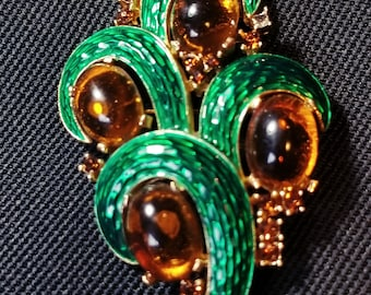 VINTAGE Trifari Alfred Philippe L'Orient green and amber cabochon and rhinestone pin/brooch
