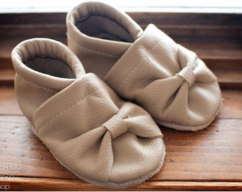 Tiny Toes Soft Sole Shoes Pattern: Baby Booties, Crib Shoes, Soft Sole Shoes