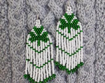 Clover earrings Beaded, Shamrock Earrings, Celtic Irish Earrings, Shamrock Jewelry Beaded, St. Patrick's Day Earrings, green long earrings