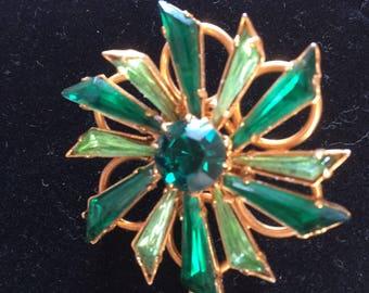 Geometric flower brooch