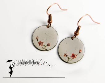 enamel earrings painted with red blossoms, 1,5cm
