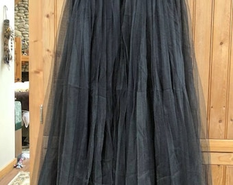 1950s style hostess overskirt