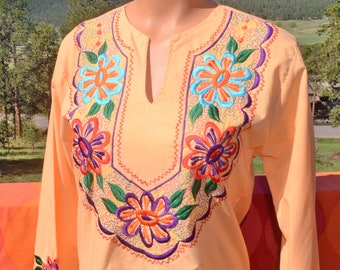vintage 70s embroidered FLORAL shirt peasant top v-neck alma hippie boho tunic blouse Medium women