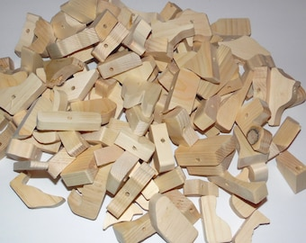 20/50 Pieces Random Shapes Pine Chews for Toy Making - Natural