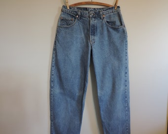 Vintage Levis 560  High Waisted Mom Jeans  Denim Jeans 90's Loose fit Tapered Leg 33 x 36 Levi Strauss Denim Jeans