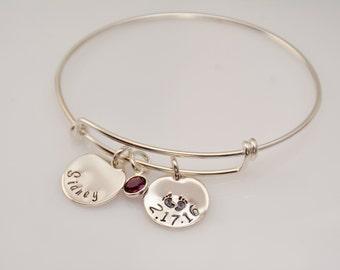 New mom gift. New mom bracelet. New grandmother gift. New mother gift. New grandma bangle bracelet